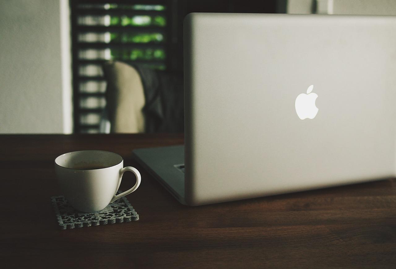 macbook-480221_1280